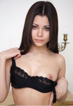 Милая и добрая девушка отдастся в твои сильные и мужественные руки в Новокузнецке.