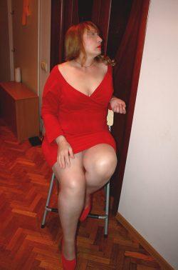 Стройная, симпатичная блондинка пригласит в гости мужчину для интимных встреч в Новокузнецке